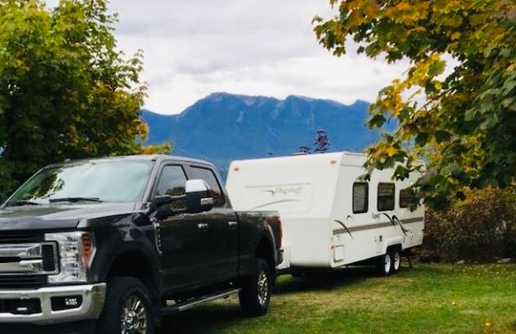 Cozy Mobile Travel Trailer