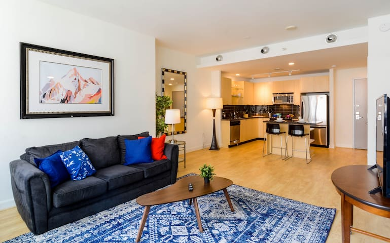 ★ Modern Apt with Double queen in Downtown Dallas★