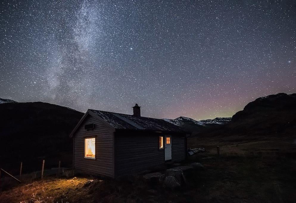 A magnificent, starry night in October. Photo: Espen Haagensen/www.mintur-foto.no