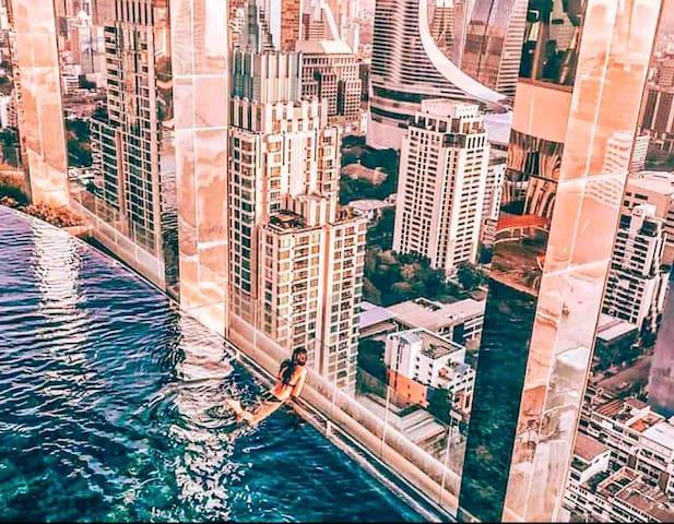 Rooftop Infinity Sky Pool , Diamond Location