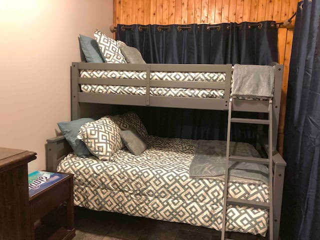 Lower APT bedroom 2- Bunk beds with twin & full combo beds