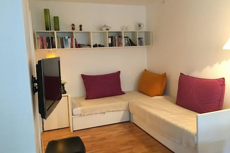 Apartment with private parking. Attractive address - Frederiksberg