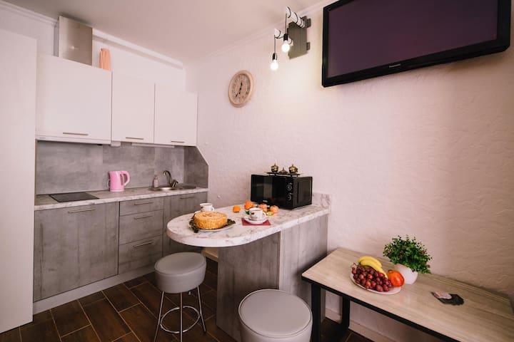 (2) Найкраще розташування! Нова smart-квартира!