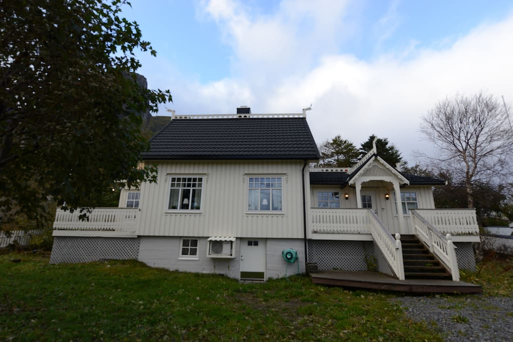 dragon villa reine h user zur miete in reine nordland norwegen. Black Bedroom Furniture Sets. Home Design Ideas