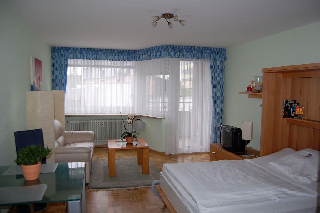 studio sonniger balkon und zentral in hh harburg. Black Bedroom Furniture Sets. Home Design Ideas
