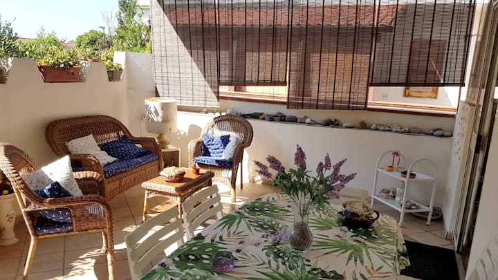 House with one bedroom in Villaggio del Golfo, with furnished terrace - 100 m from the beach