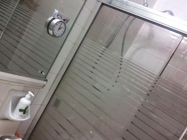 unlimited hot water immaculate shower and bath