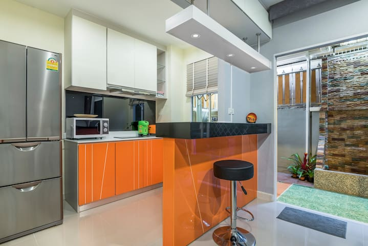 Fully equipped Kitchen with all cooking amenities