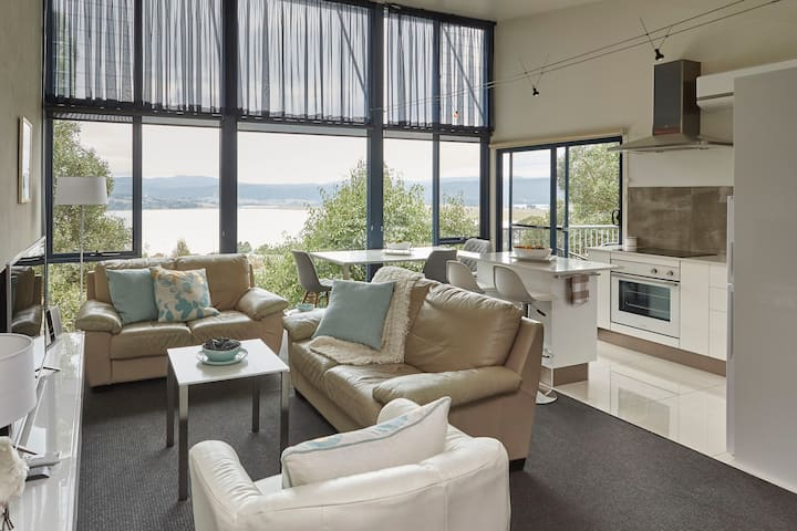 Tamar River Apartments - Vines Luxury 1 Bed