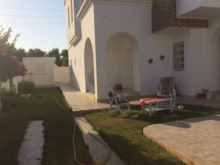Belle maison meublée avec piscine Proche de la mer