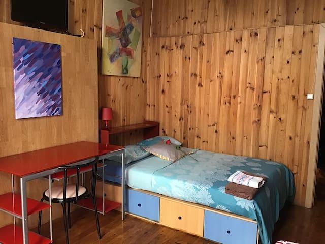 Habitación con balcón en Casco Antiguo