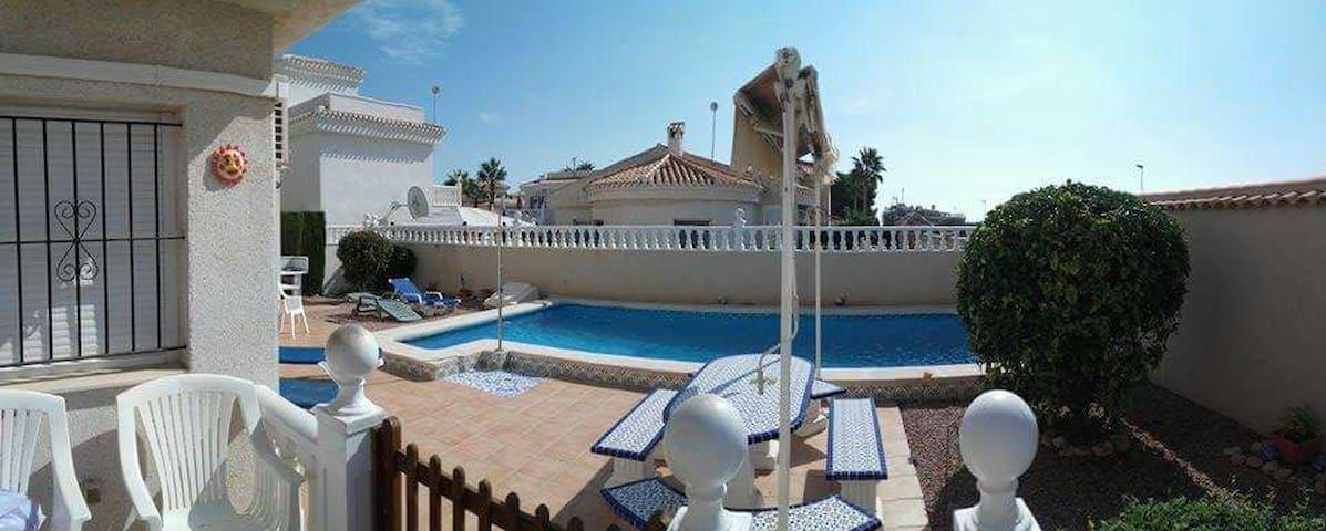 Villa in Playa Flamenca own pool - Orihuela - Villa