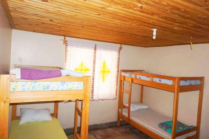 Kilimahewa House, Iringa, TZ - shared room