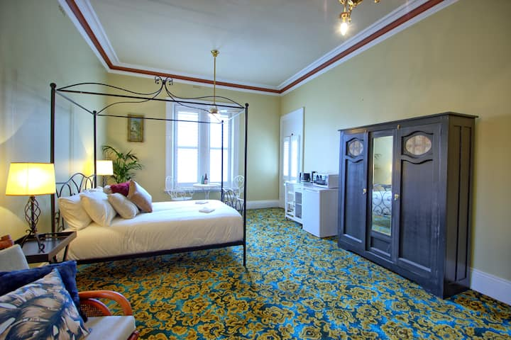 Large Heritage Room in Central Glenelg