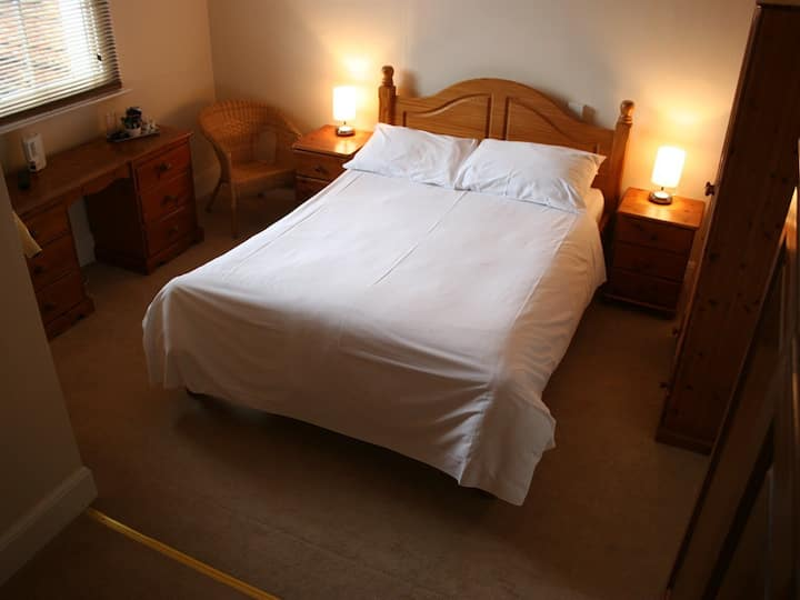 Double room-Ensuite-Bath only 20 @ The Kings
