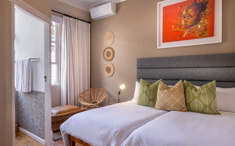 Antrim Villa - Twin Room 5