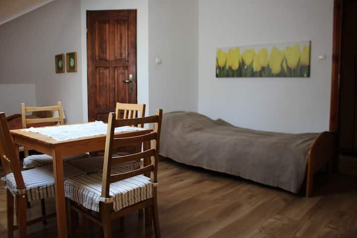 4. osobowy przytulny pokój w zacisznej okolicy!