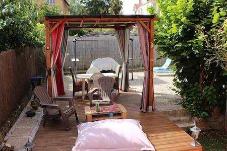Maison avec jardin pour 2-6 personnes - Millau - Huis