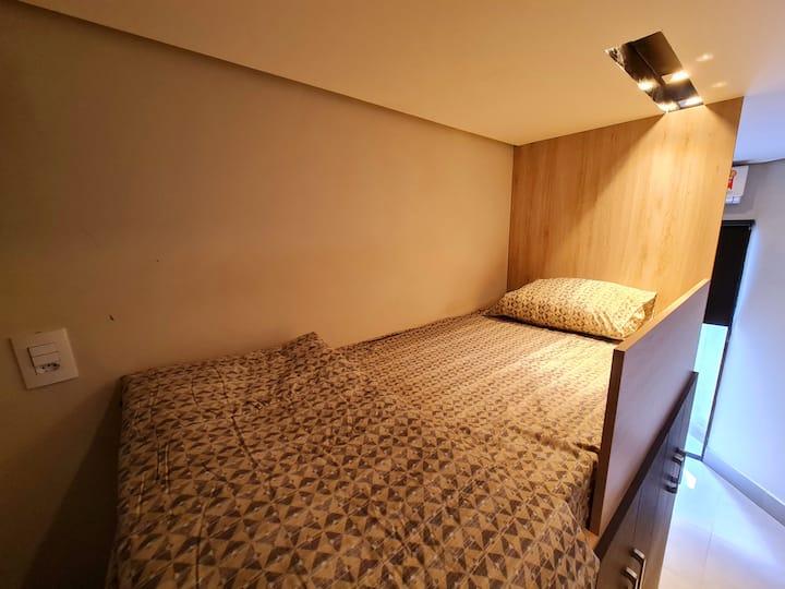 Flat descolado, cama suspensa próx à Unicamp/PUCC