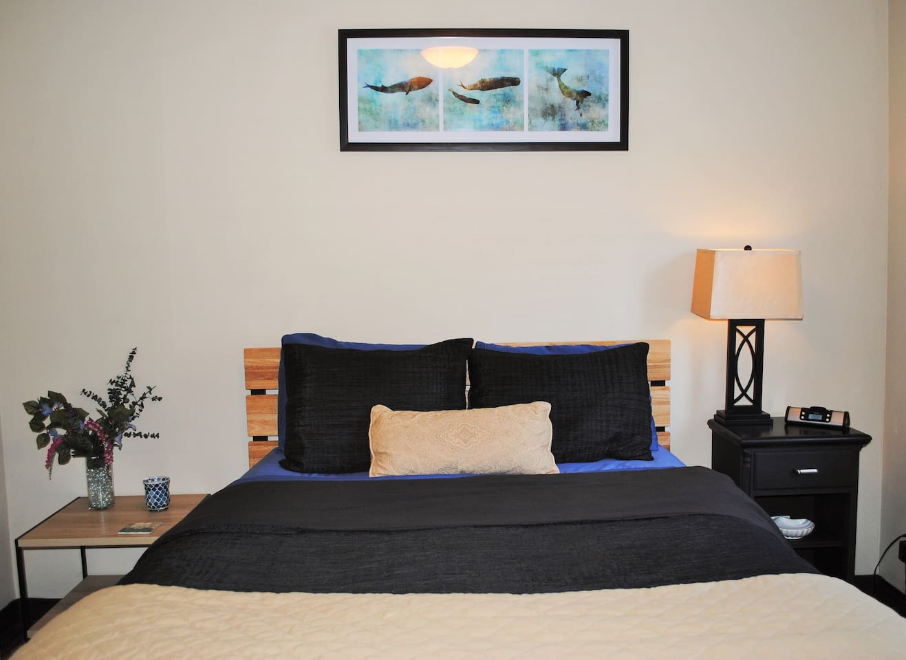 Modern and comfortable queen beds