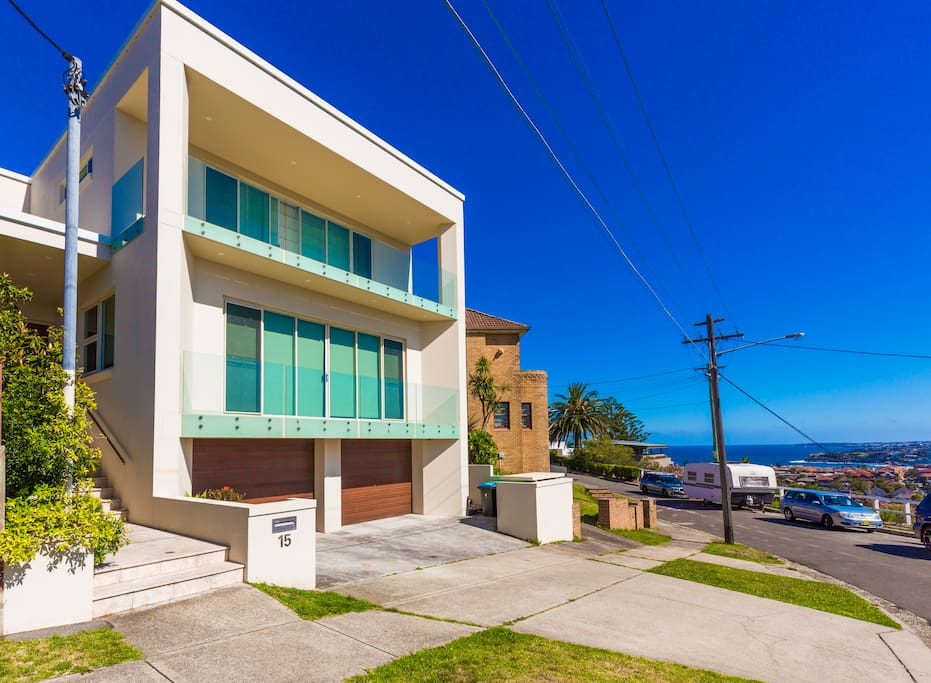 Bondi within easy reach and Harbour views from the balconies