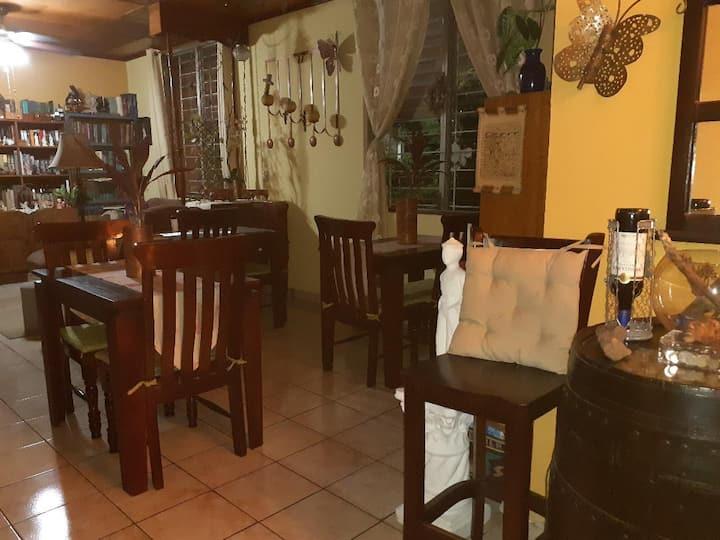 La Toscana Guest House - Room #1