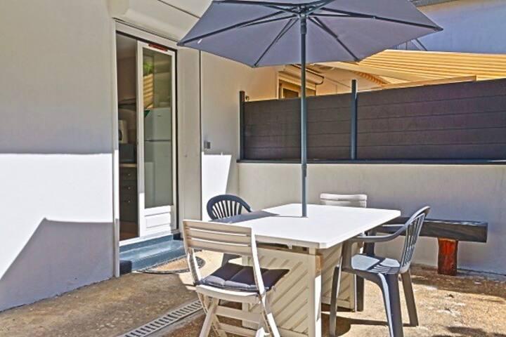 Studio Ozéano avec terrasse privée en RDC de villa