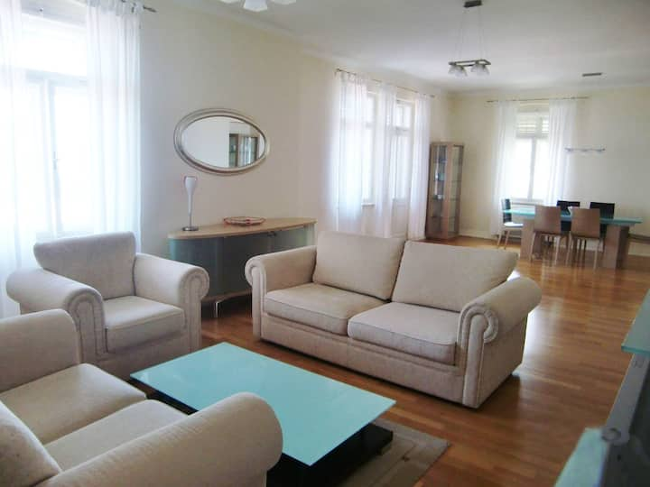 Apartment De Luxe 4* for 2-6 person