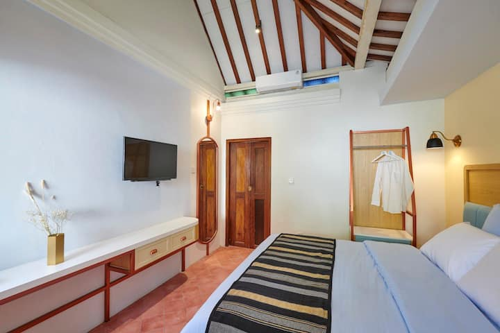 Blue Room Chendela Close to Pasar Ngasem