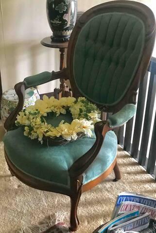 #4 / Antique Victorian Furniture / Double Bedroom