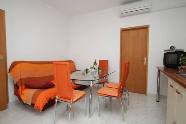 One bedroom apartment with terrace and sea view Mrljane, Pašman (A-8498-a) - Mrljane