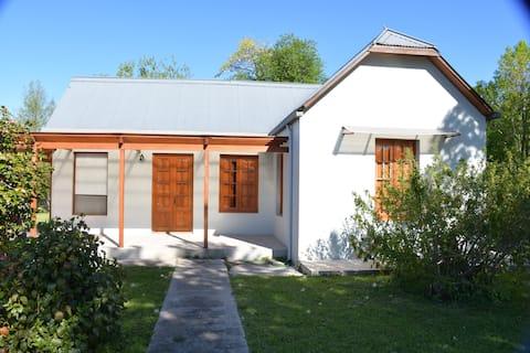 Hermosa y amplia casa en Colonia Valdense.