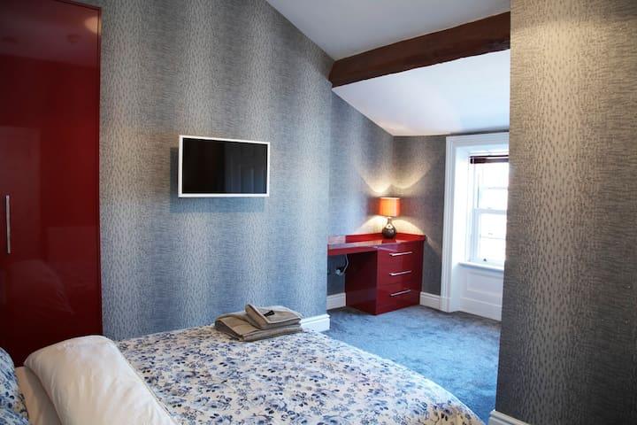 Bedroom suite Luxury brand-new Hotel type rooms - Fulwood - House