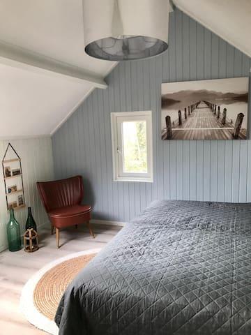 Slaapkamer 1 heeft een tweepersoonsbed.