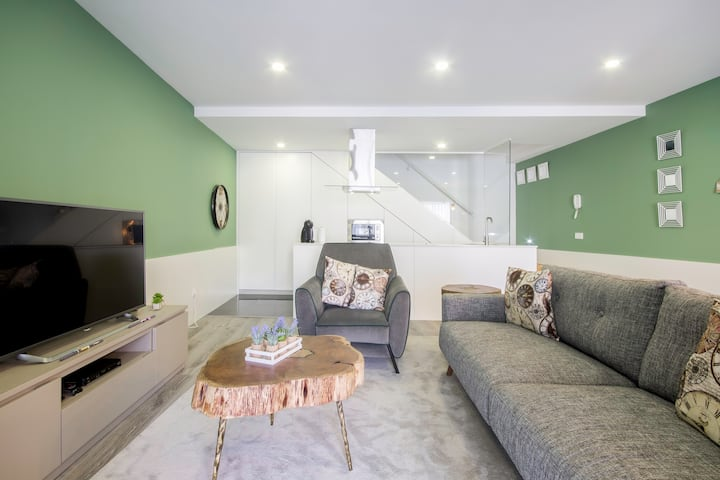 Design Campanhã flat- quiet, terrace, metro, train