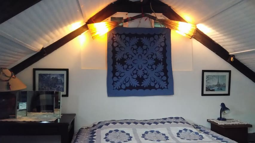 Le Coq Bleu, loft room. A French home stay!
