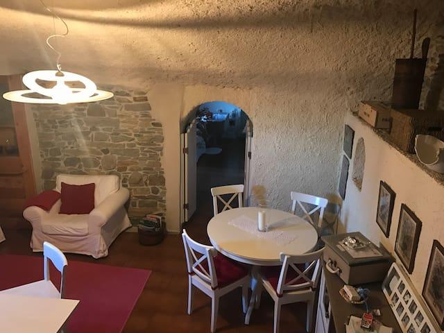 Intero appartamento stile rustico