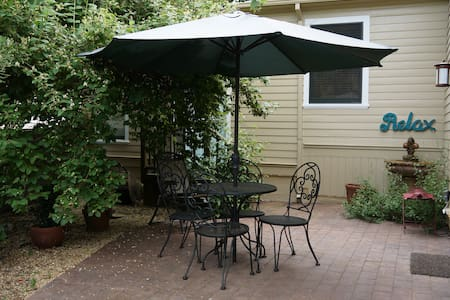 Gated private patio suite in downtown Nevada City - Nevada City - Ház
