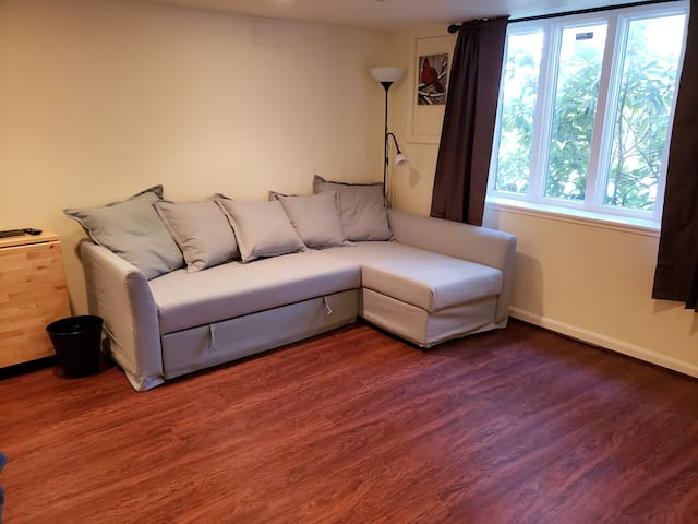 Large Upscale Private Studio with Great Location