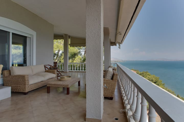 Dreamy sea view villa just 50min away from Athens - Plaka Dilesi - Casa