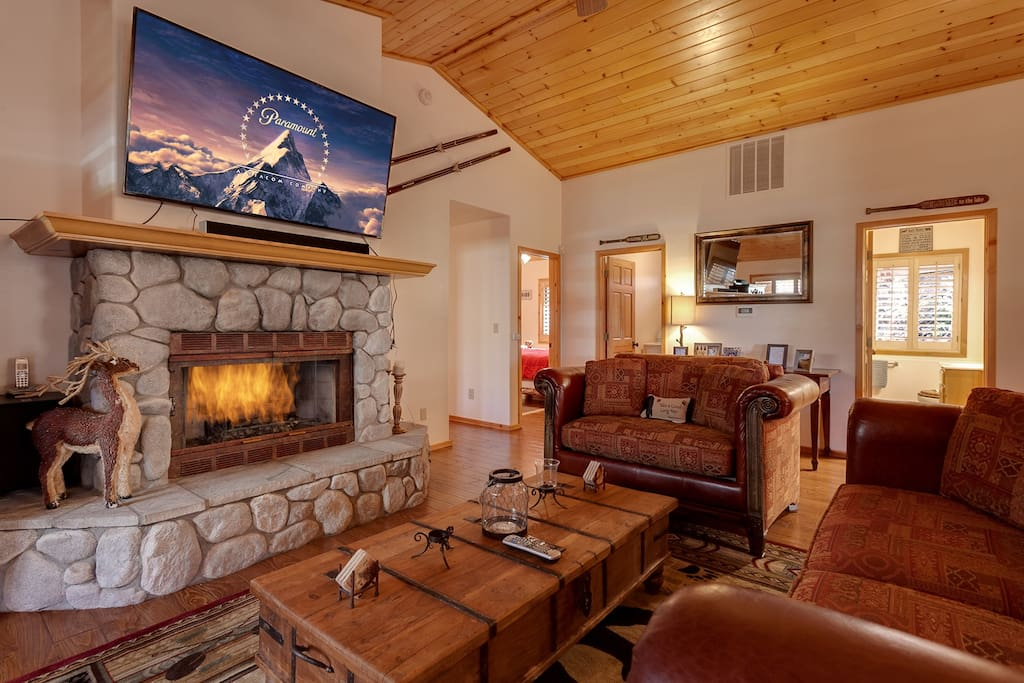 Open area living room with Huge LCD TV, Romantic Gas Burning Fireplace. Charter Cable and fast Wi-Fi.