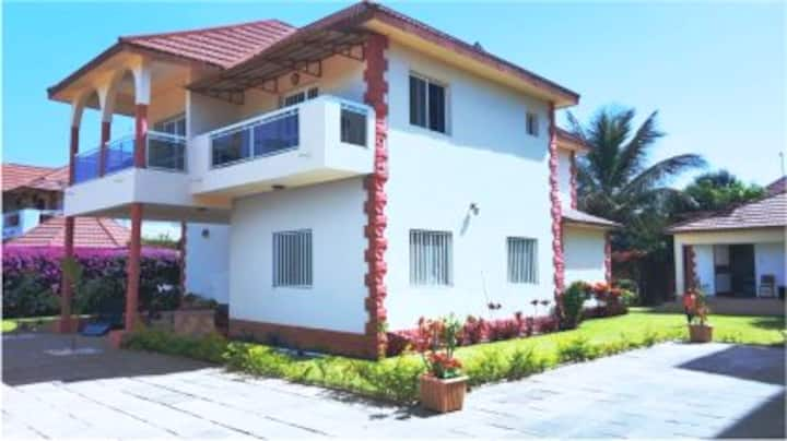 Home Away From Home: Spacious  3bed house, Gambia.