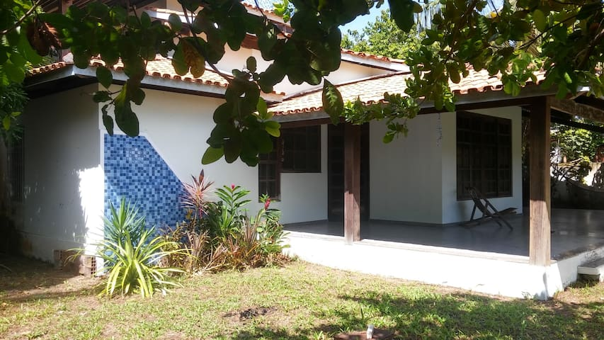 ITAPARICA- RENT ROOMS TO 50m FROM THE SEA - Praia Verde Berlink - House