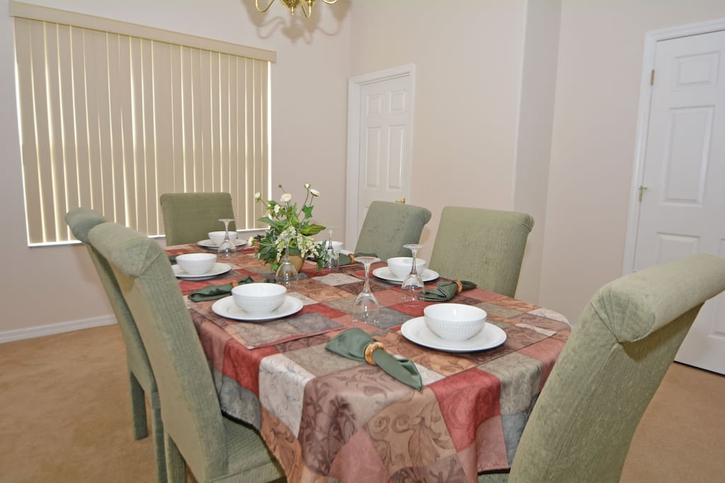 Home Decor, Linen, Tablecloth, Dining Room, Indoors
