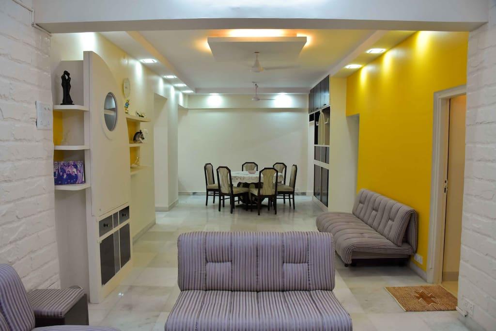 Luxury apartment on the arabian sea in south mumba - The living room mumbai maharashtra ...
