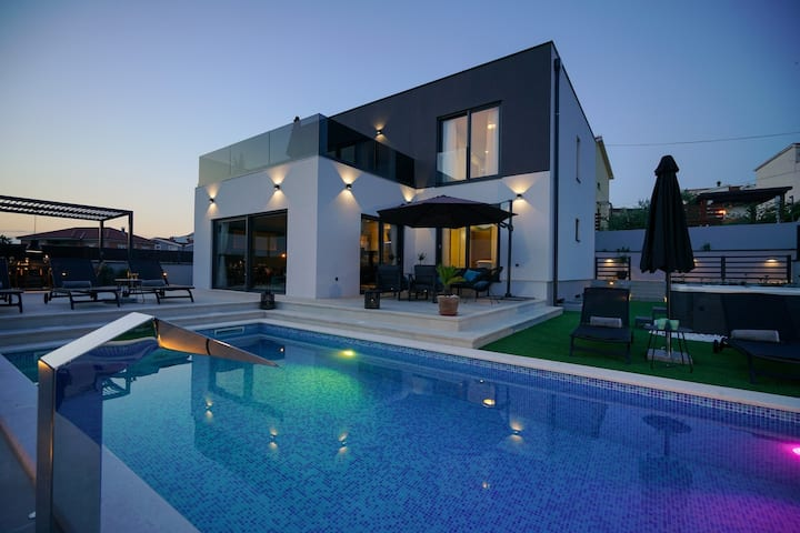 Modern Villa Terrazza, in Dalmatia, with a Pool