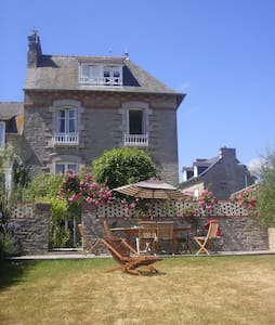 Charming Villa and Amazing Sea View - Saint-Cast-le-Guildo - วิลล่า