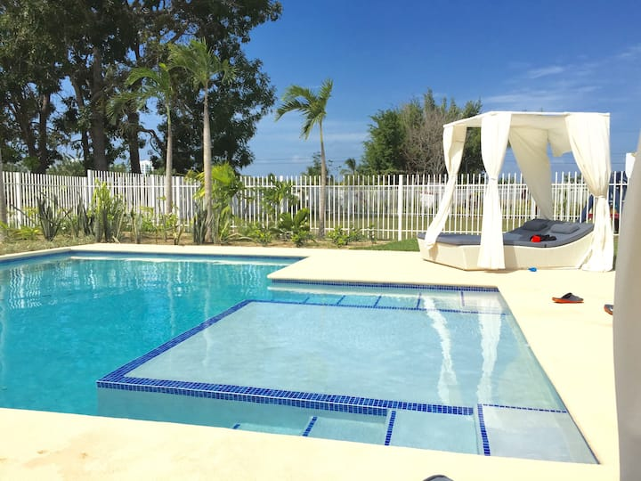Luxury Villa with Pool, in Playa Blanca