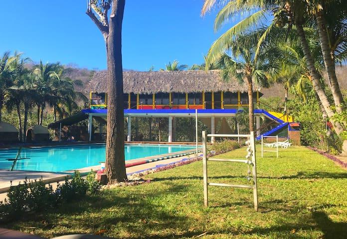 AquaVilla & Casa Verde cabins - Huatulco