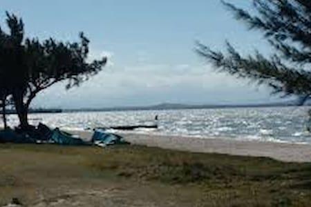 Casa no cond. Villaggio Valtelina  A 200 m lagoa